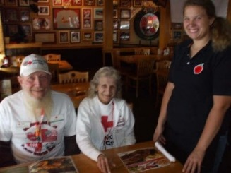 Robert and Mary at Applebees' - Switzer Web Site