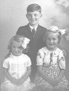 Arnold, Mum and Yvonne - <Private> Hawkins - Hawkins Web Site