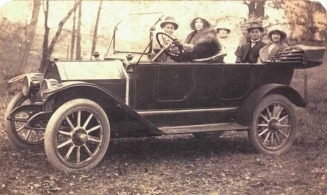 Front Driver's seat Mary Irene Morrow (Walker), front passenger seat: George Seldon Walker. Back seat L to R: Kate Walker (Seldon's sister), Cleveland Ethridge (Seldon's brother in law), Ina (Walker) Ethridge (Seldon's sister). This photo was taken before - Walker Family Tree Web Site