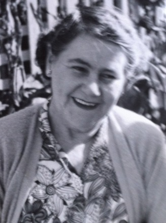 Charlotte Clack mother of Hilda, Lennie and Joyce Dorita - AnneBurn Web Site