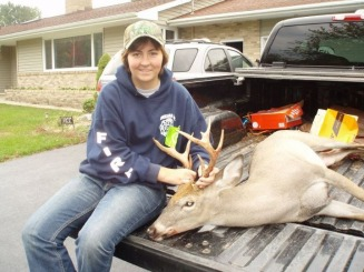 Kaitlin Kubiskey with a dead buck - My Family History