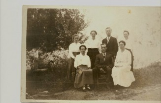 back, Aunt Artie, Aunt Martha, Uncle Anthony, Mary Jepson Isom, Front, Aunt Lucy, Uncle Jesse, Aunt Rose - Don's Family Web Site