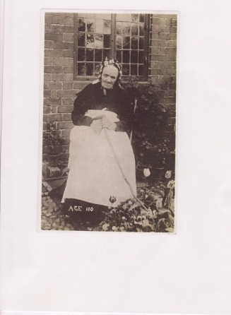 Elizabeth Heaver aged 100 - tracey's family Web Site